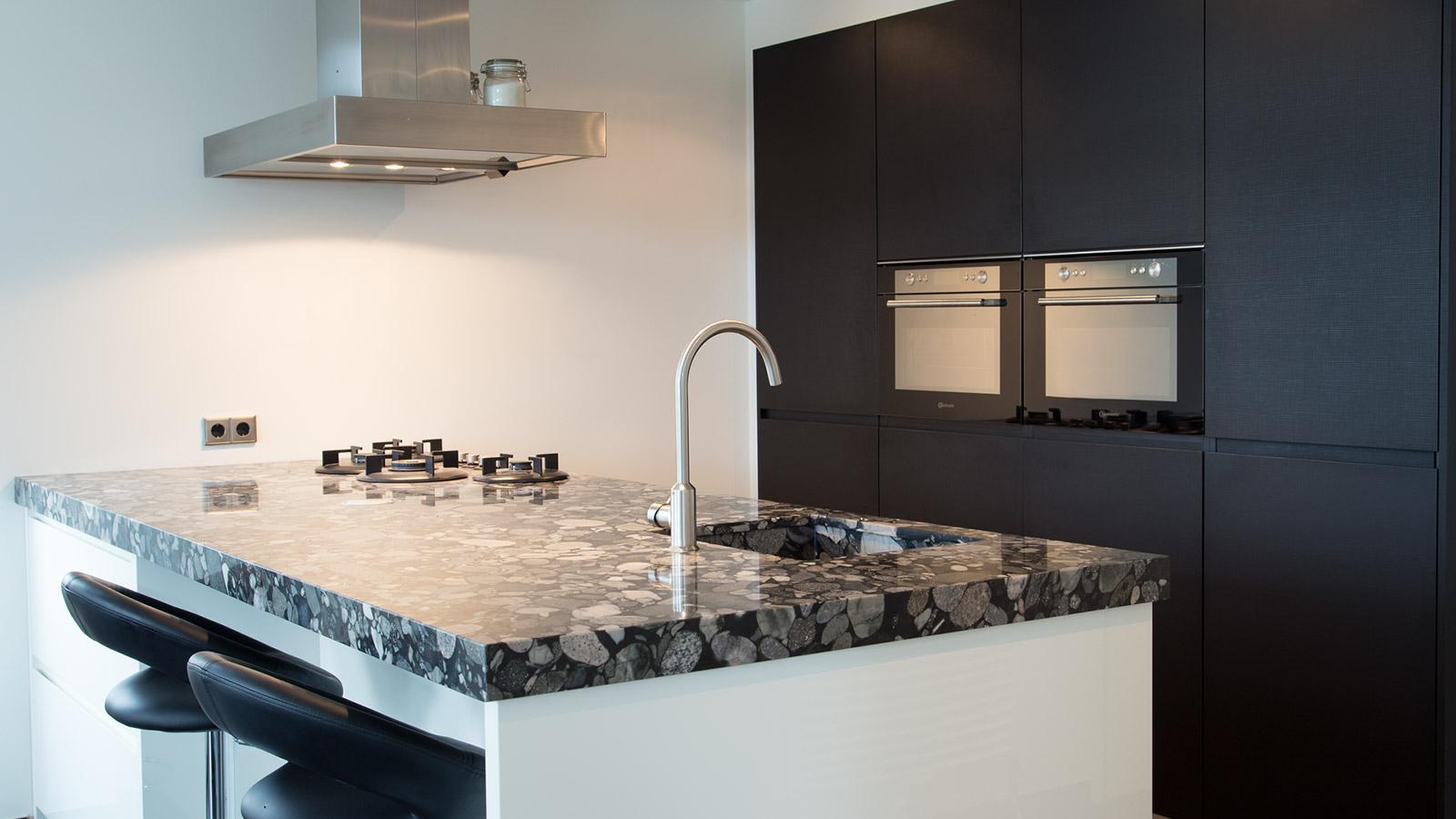 Design Hoge Kast : Hoogglans keuken cvh design maatinterieur voor wonen en werken