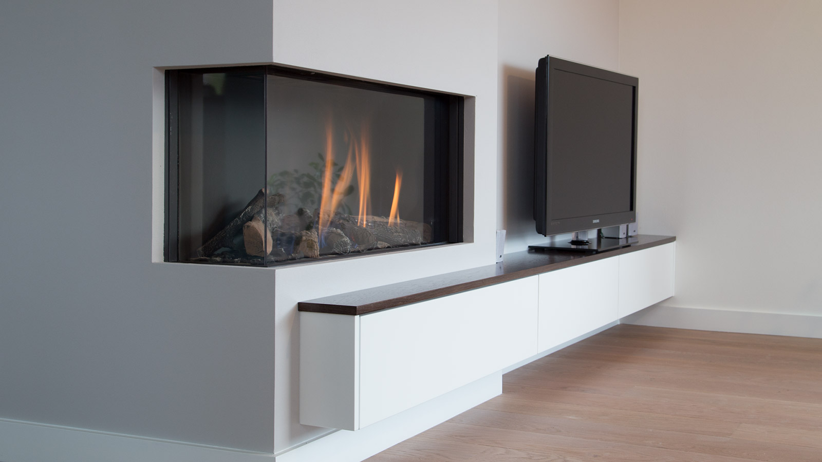 Design Woonkamer Kast : TV-meubel in muur verdiept - CVH Design ...