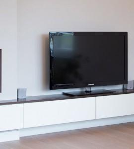 TV-meubel in muur verdiept