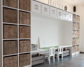 Bergkast + werkblad speelkamer