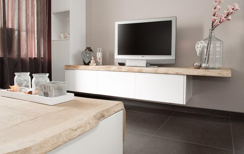Tv-meubel met verrijdbare salontafel