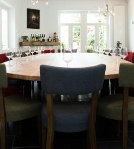 Vergader- / Eettafel met uitneembare middenstukken voor slijterij Storms
