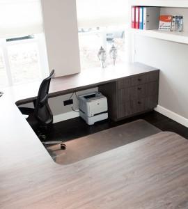 Kantoor werkblad, waarbij ruimte optimaal is benut